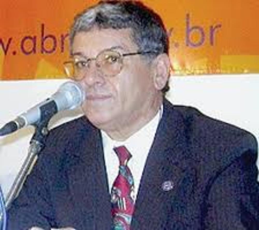 Dolor por el fallecimiento de Luiz Salvador