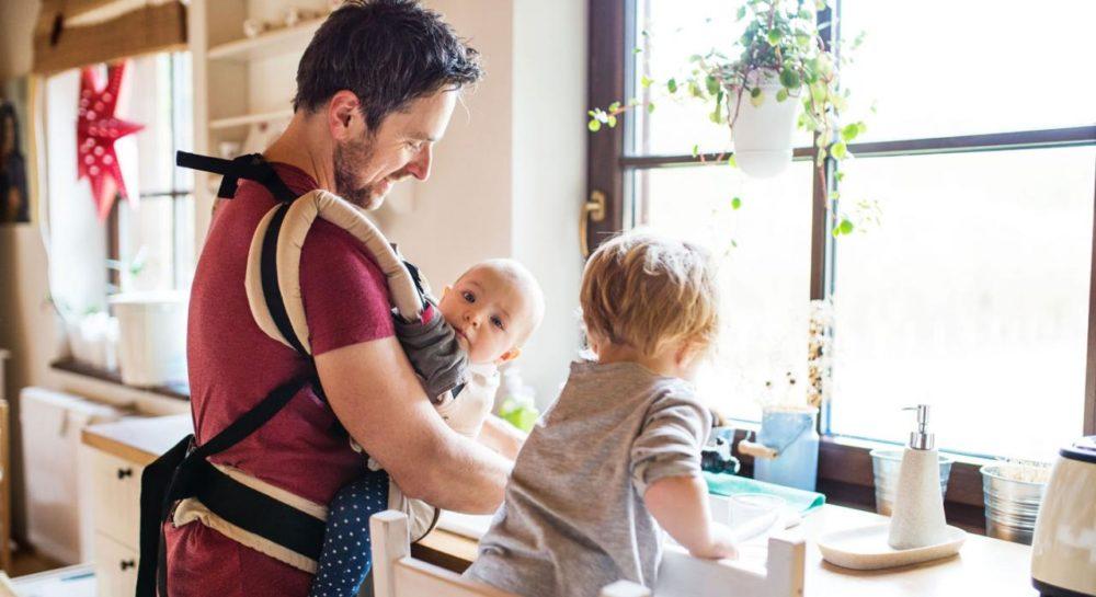 Situación de progenitores que trabajan en actividades esenciales y están a cargo del cuidado de hijxs
