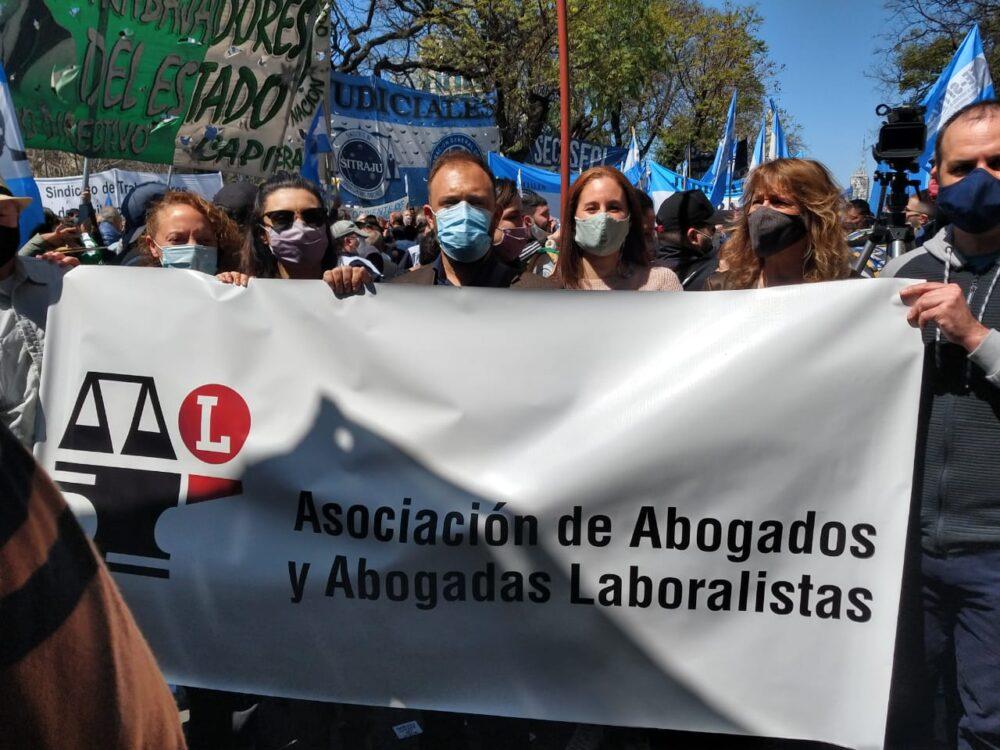 Masiva movilización en defensa de la Justicia Nacional del Trabajo